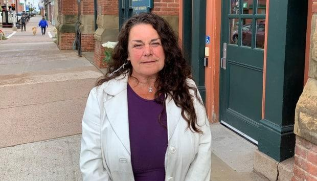 Angus Drive resident Patty Good would like to see other options considered, including taking alcohol sales away from the Mel's location to reduce traffic.