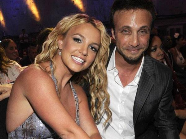 Britney Spears with her manager Larry Rudolph (Image Source: Instagram)