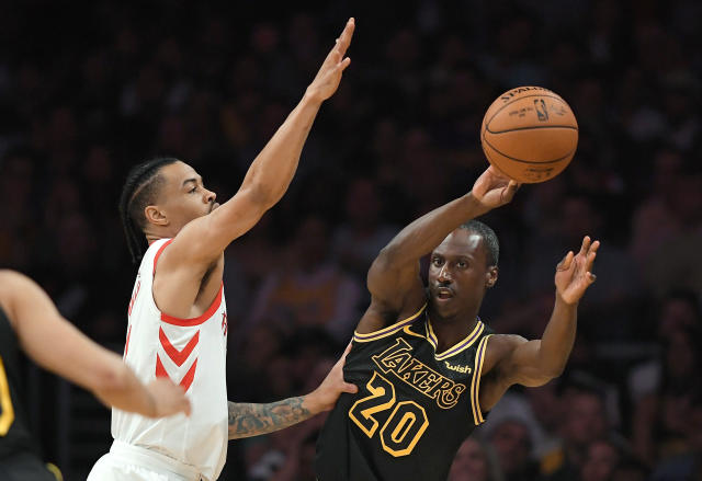 32-year-old rookie Andre Ingram stepped onto an NBA court for the first time Tuesday to lead the Lakers in scoring in the first half. (AP)