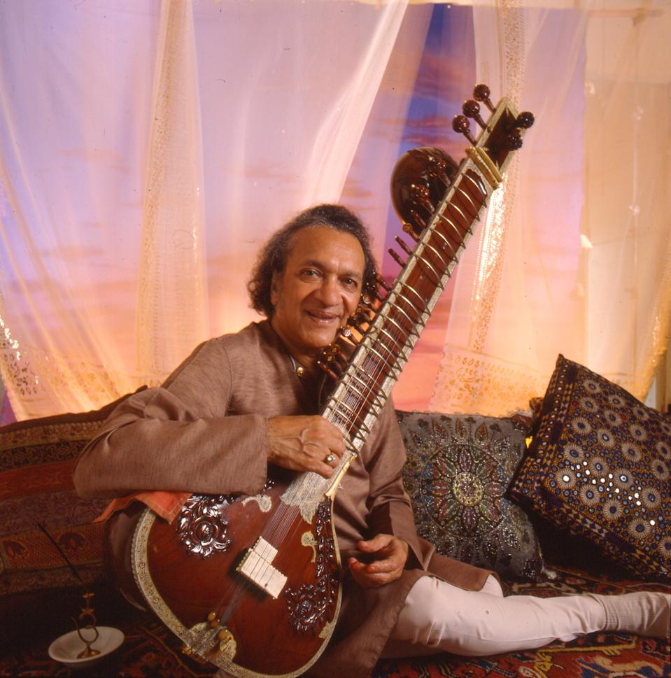 Pandit Ravi Shankar was a Hindustani Classic music composer. But he was more popularly known as the sitar maestro and has influenced many other musicians throughout the world. Shankar was awarded the Bharat Ratna in 1999.