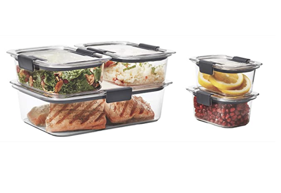 Rubbermaid food containers. (PHOTO: Amazon Singapore)