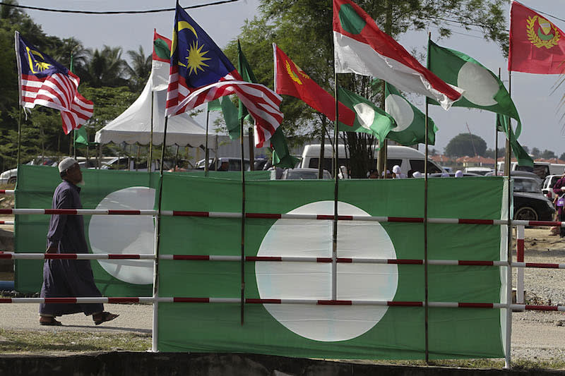 PAS Youth says yes to sever ties with PKR, citing Selena Gomez concert