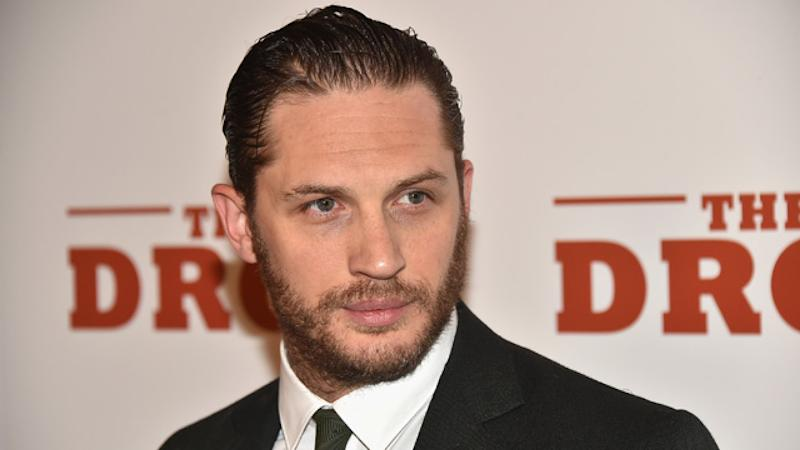 cb906274f Tom Hardy Finally Gets 'Leo Knows All' Tattoo After Losing Oscars Bet to Leonardo  DiCaprio