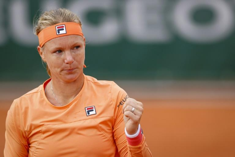 Bertens in wheelchair after stormy Roland Garros clash, accused of 'faking'