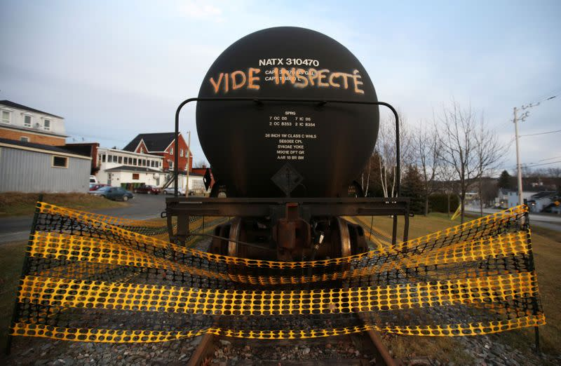 Once Canada's oil relief valve, rail shipping grinds to near halt