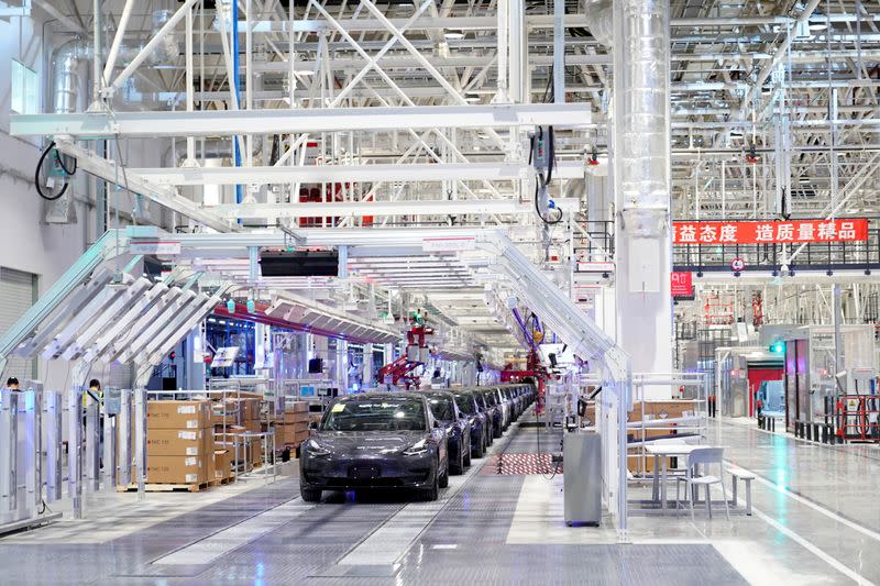 Shanghai to help Tesla resume production amid coronavirus spread
