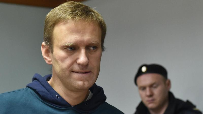 Vladimir Putin Opponent Alexei Navalny Says Could Have Been 'Poisoned' in Prison