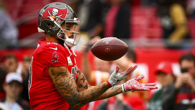 Mike Evans joined Randy Moss as the only receivers in NFL history to post 1,000 yards in each of their first six seasons.