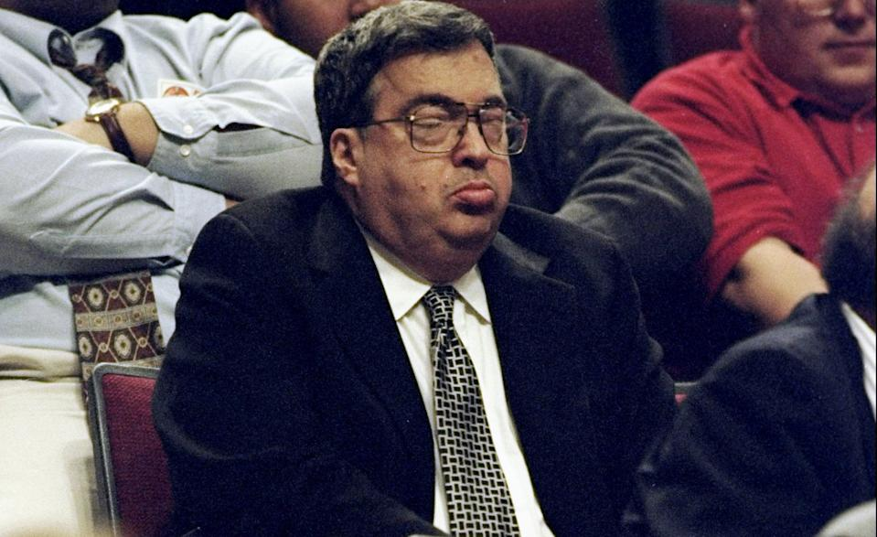 Jerry Krause watches a Bulls game in February 1999. (Jonathan Daniel  /Allsport)