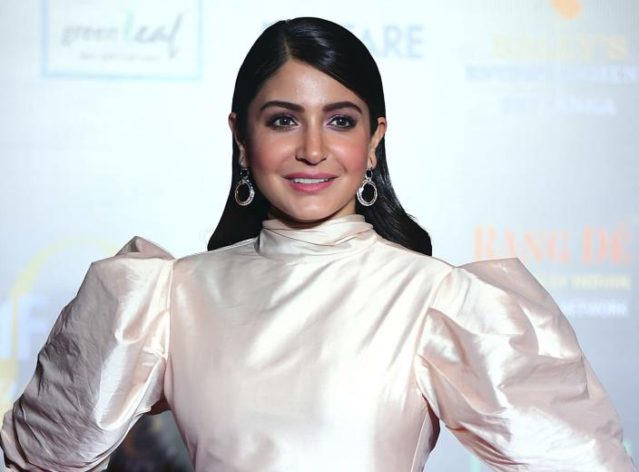 Anushka Sharma arrives at the Filmfare Glamour and Style Awards in Mumbai on December 3, 2019. (Photo by Sujit Jaiswal / AFP)