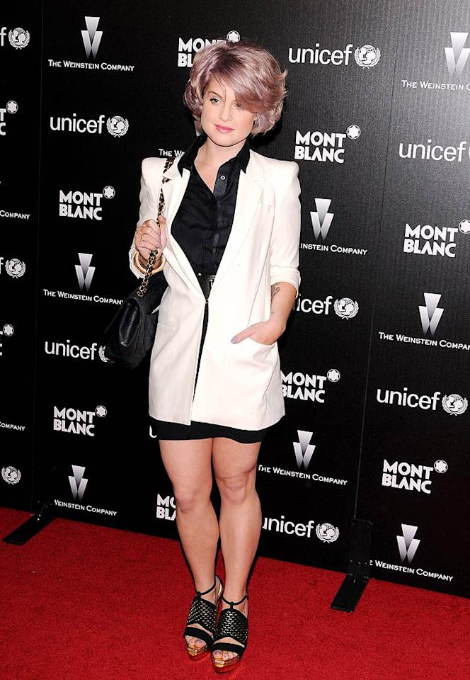 "The bash was one of the hottest tickets in town over Oscar weekend, and many celebs were stuck drinking champagne in the parking garage as they waited to enter. Kelly Osbourne rocked the red carpet still sporting her blue-rinse 'do. Jean Baptiste Lacroix/<a href=""http://www.wireimage.com"" target=""new"">WireImage.com</a> - March 6, 2010"