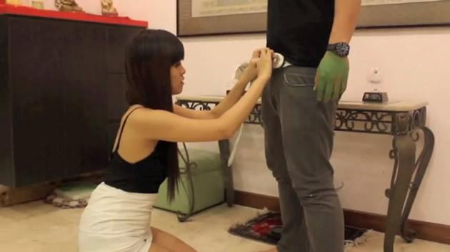 Singapore blogger Peggy Heng in the scene of a publicity video that has riled up netizens. (Photo: YouTube screengrab)