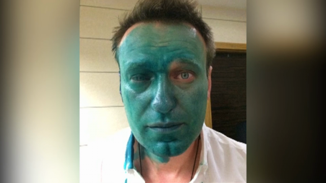 russian-opposition-leader-alexei-navalny-attacked-with-green-dye-again