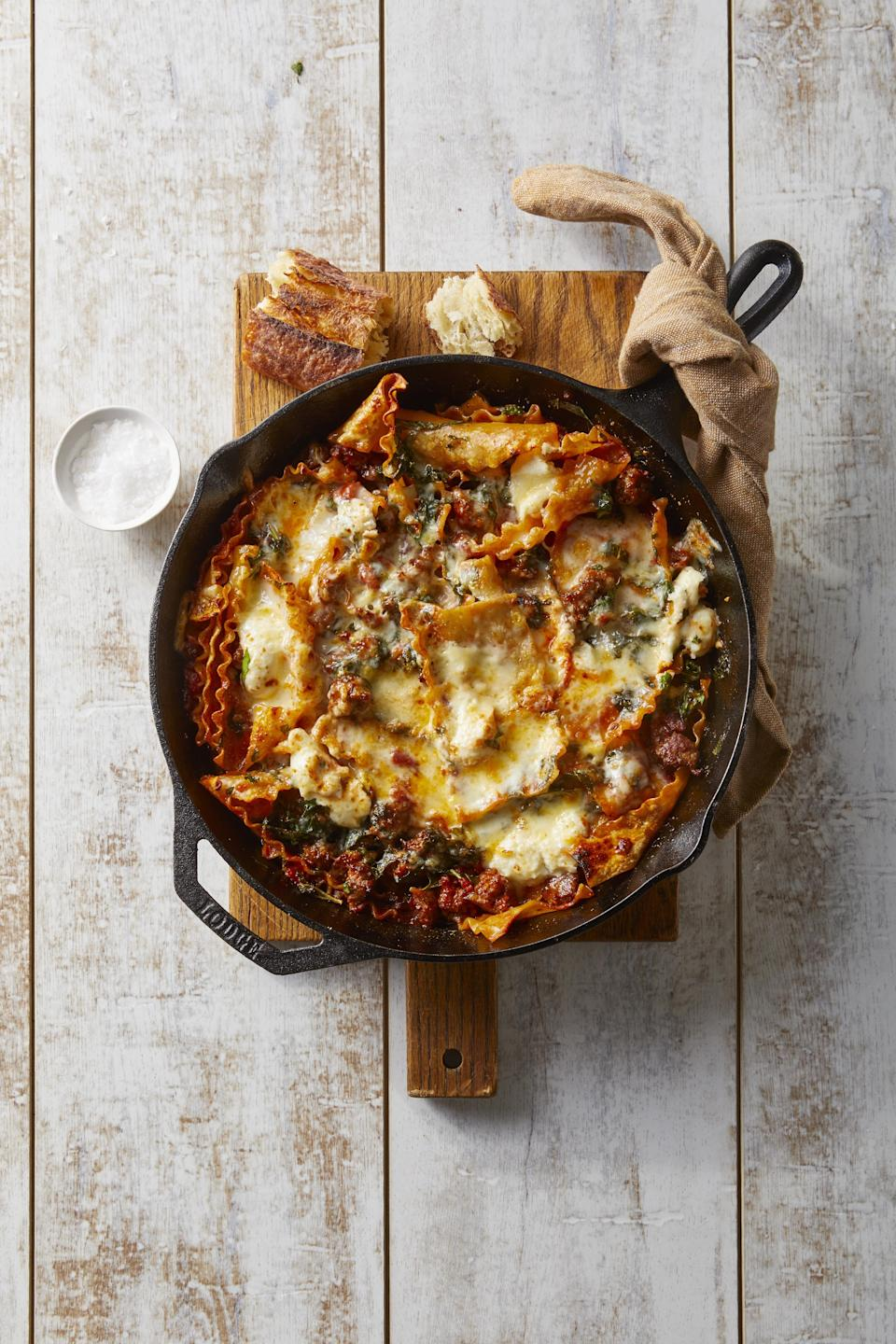 """<p>These <a href=""""https://www.countryliving.com/food-drinks/g648/quick-easy-dinner-recipes/"""" rel=""""nofollow noopener"""" target=""""_blank"""" data-ylk=""""slk:quick, easy dinner recipes"""" class=""""link rapid-noclick-resp"""">quick, easy dinner recipes</a> are so delicious it'll be hard for even the pickiest eaters to say no. Don't believe us? Give this list a look and try one out. We're sure your little ones will be asking for seconds! Best part: they're easy to make too. With plenty of <a href=""""https://www.countryliving.com/food-drinks/g1903/slow-cooker-recipes/"""" rel=""""nofollow noopener"""" target=""""_blank"""" data-ylk=""""slk:slow cooker meals"""" class=""""link rapid-noclick-resp"""">slow cooker meals</a> and <a href=""""https://www.countryliving.com/uk/create/food-and-drink/a1200/best-one-pot-recipes/"""" rel=""""nofollow noopener"""" target=""""_blank"""" data-ylk=""""slk:easy one pot meals"""" class=""""link rapid-noclick-resp"""">easy one pot meals</a> ahead—some dishes only take 10 to 15 minutes to put together! We've got classic favorites as well as fresh, kid-approved pastas and casseroles. If you're ready to take on a <a href=""""https://www.countryliving.com/food-drinks/g4287/cheap-dinner-ideas/"""" rel=""""nofollow noopener"""" target=""""_blank"""" data-ylk=""""slk:cheap dinner idea"""" class=""""link rapid-noclick-resp"""">cheap dinner idea</a> that's also a crowd-pleaser, take a look through some of our favorite dinner ideas right here.</p>"""