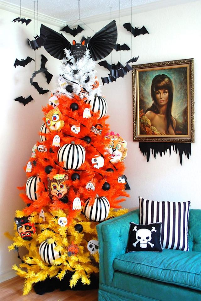 7 decorating ideas to steal from the queen of halloween for B m halloween decorations
