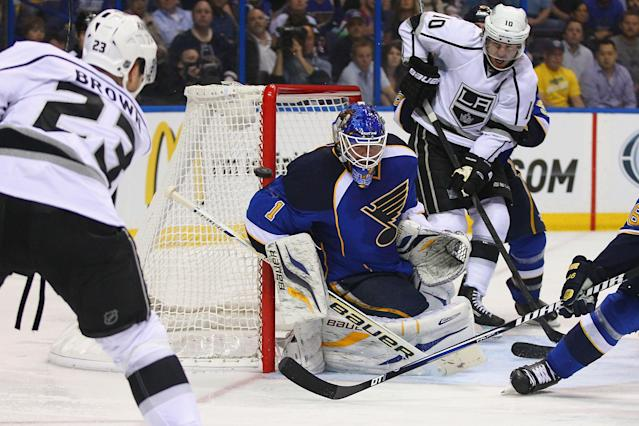 ST. LOUIS, MO - APRIL 30: Brian Elliott #1 of the St. Louis Blues makes a save against the Los Angeles Kings in Game One of the Western Conference Quarterfinals during the 2013 NHL Stanley Cup Playoffs at the Scottrade Center on April 30, 2013 in St. Louis, Missouri. (Photo by Dilip Vishwanat/Getty Images)