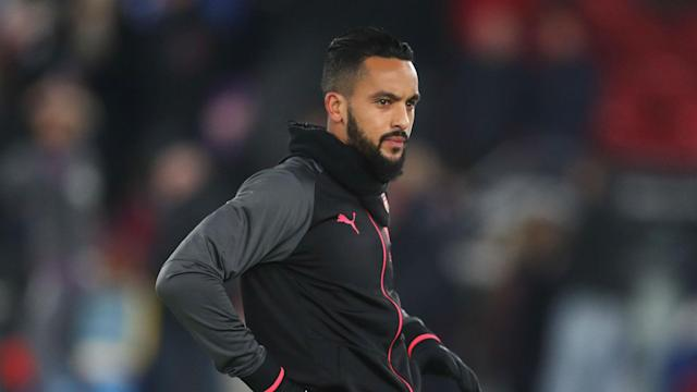 Everton manager Sam Allardyce has confirmed he is chasing a January deal for Arsenal striker Theo Walcott.