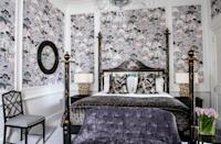 """<p>Check into this beautiful townhouse hotel and you can enjoy your own private residence on the corner of Queen's Gate and Old Brompton Road. <a href=""""https://go.redirectingat.com?id=127X1599956&url=https%3A%2F%2Fwww.booking.com%2Fhotel%2Fgb%2Fthe-kensington-london.en-gb.html%3Faid%3D2070929%26label%3Dhotel-suites-london&sref=https%3A%2F%2Fwww.redonline.co.uk%2Ftravel%2Fg37383631%2Fhotel-suites%2F"""" rel=""""nofollow noopener"""" target=""""_blank"""" data-ylk=""""slk:The Kensington"""" class=""""link rapid-noclick-resp"""">The Kensington</a>'s signature Brompton Suite boasts plush and sleek interiors, with a king-sized bed in the striking bedroom and a four-piece marble bathroom with a free-standing roll top bath. </p><p>A sanctuary from the bustle outside, the 70 square-metre suite is decadent and historic in charm. The soft curves, from the period headboard of the four-poster bed to the Victorian bath, add a regal touch to the apartment, featuring floor-to-ceiling drapes, a wooden desk and classical artwork. </p><p><strong>From £1,330 per night</strong></p><p><a class=""""link rapid-noclick-resp"""" href=""""https://go.redirectingat.com?id=127X1599956&url=https%3A%2F%2Fwww.booking.com%2Fhotel%2Fgb%2Fthe-kensington-london.en-gb.html%3Faid%3D2070929%26label%3Dhotel-suites-london&sref=https%3A%2F%2Fwww.redonline.co.uk%2Ftravel%2Fg37383631%2Fhotel-suites%2F"""" rel=""""nofollow noopener"""" target=""""_blank"""" data-ylk=""""slk:CHECK AVAILABILITY"""">CHECK AVAILABILITY</a></p>"""