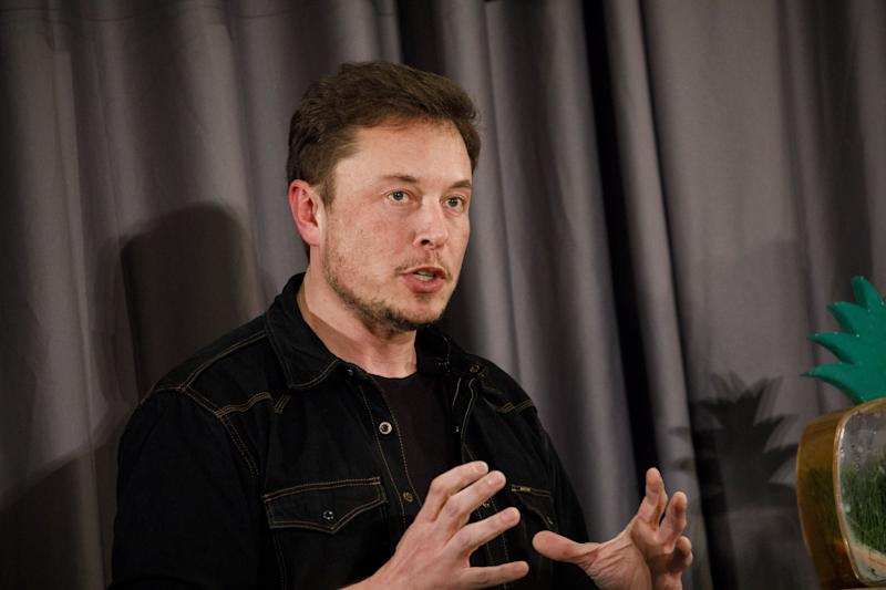 Elon Musk Blasts Media 'Hypocrisy' and Proposes Rating Journalists In a Twitter Rant