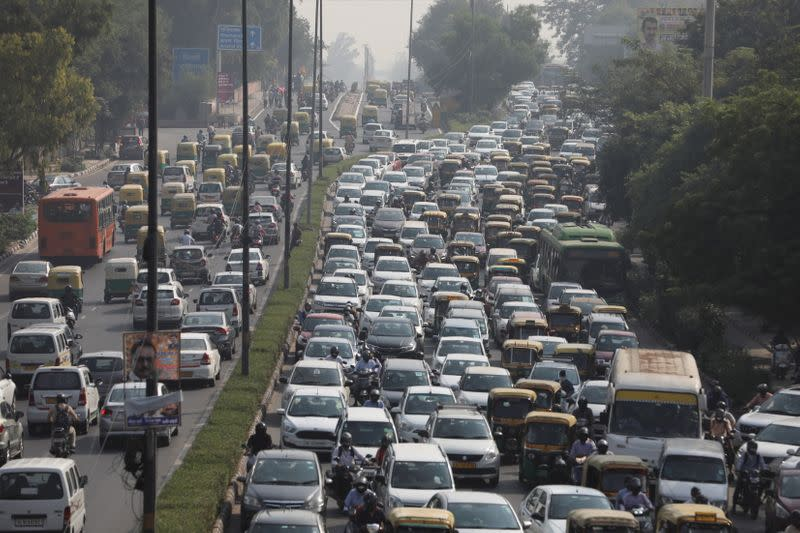 Delhi residents worry about toxic mix of pollution, COVID-19
