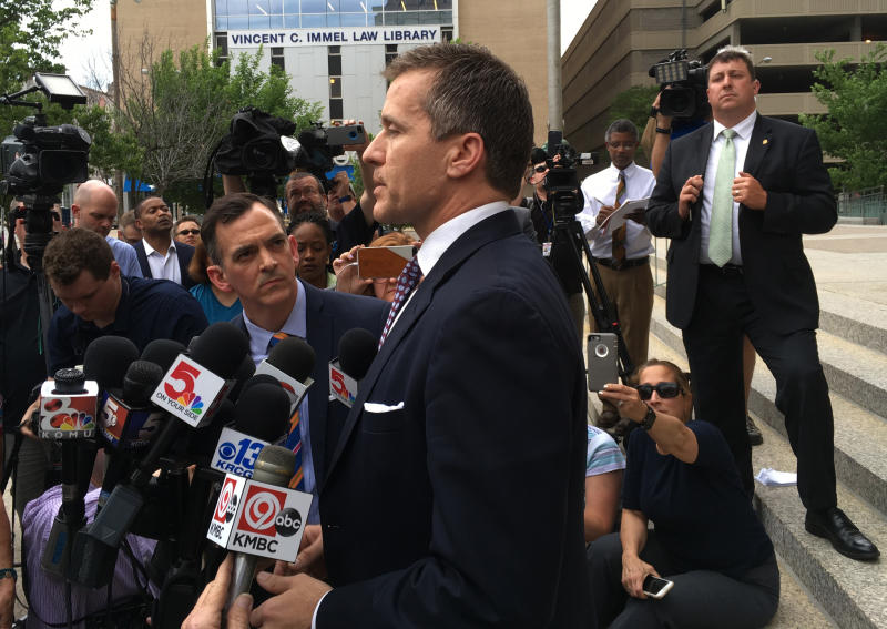 Louis prosecutor drops charge against Missouri Gov. Greitens