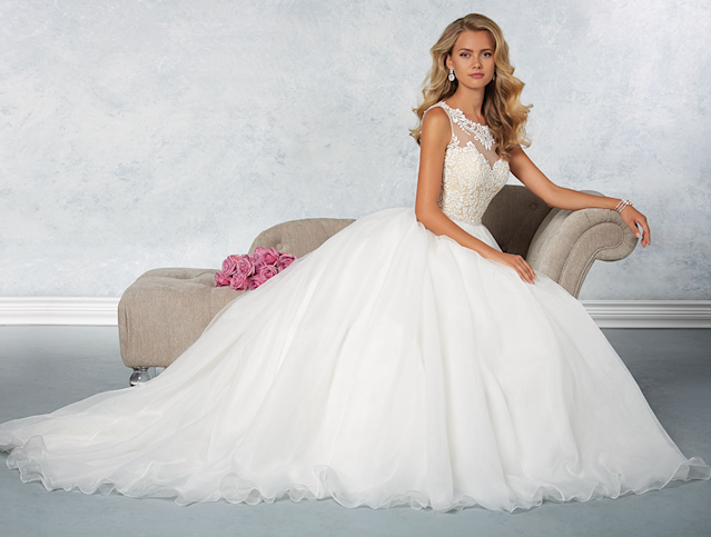 "<p>The once notable bridal retailer filed for Chapter 7 bankruptcy last year. The company closed its doors abruptly, announcing on its <a href=""http://www.alfredangelo.com/"" rel=""nofollow noopener"" target=""_blank"" data-ylk=""slk:website"" class=""link rapid-noclick-resp"">website</a> that ""any order [that] has not been fully delivered to a customer, [It] shall have to remain unfulfilled"" which made brides-to-be lose their minds. <br>Facebook / @alfredangeloUK<br><br></p>"