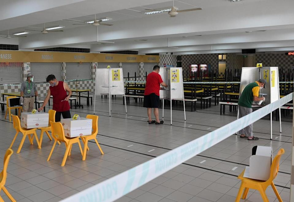 GE2020 polling at Dunearn Secondary School (Photo: Joseph Nair for Yahoo News Singapore)