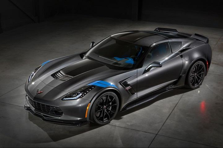 2017 Chevrolet Corvette Grand Sport Front Quarter Photo