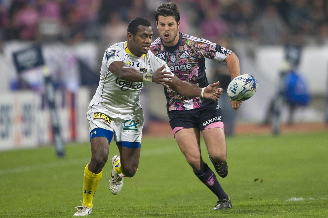 Stade Francais' fullback Hugo Southwell (R) vies with Clermont's winger Kini Murimurivalu during the European Challenge Cup semi final rugby union match Stade Francais vs. Clermont at the Charlety stadium in Paris on April 29, 2011. AFP PHOTO / BERTRAND LANGLOIS (Photo credit should read BERTRAND LANGLOIS/AFP/Getty Images)