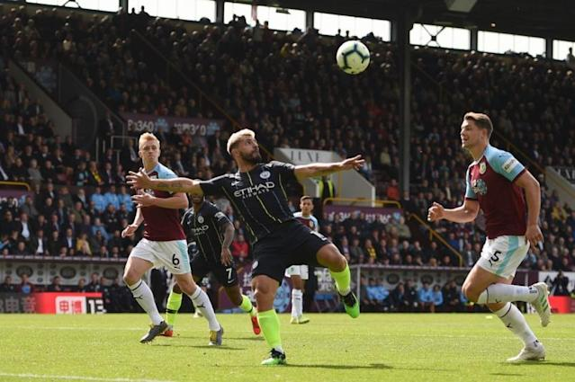 City e Burnley em campo na última temporada (Foto: AFP)
