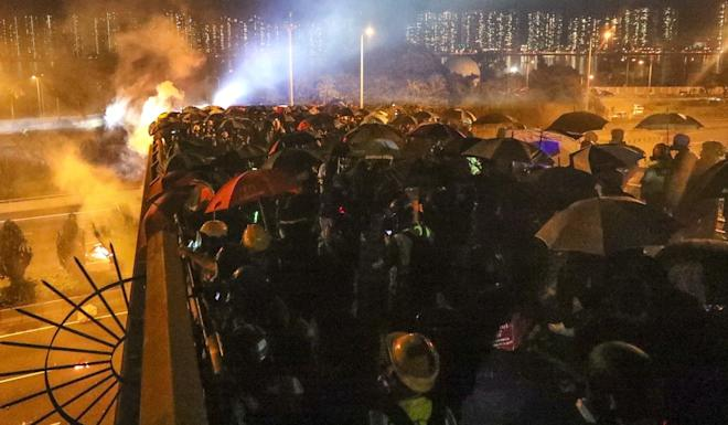 Clashes have escalated in Hong Kong, but observers say Beijing will be cautious about intervening. Photo: Felix Wong