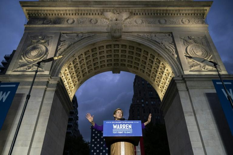 Democratic presidential candidate Elizabeth Warren holds a campaign rally in New York City's Washingotn Square Park (AFP Photo/Drew Angerer)