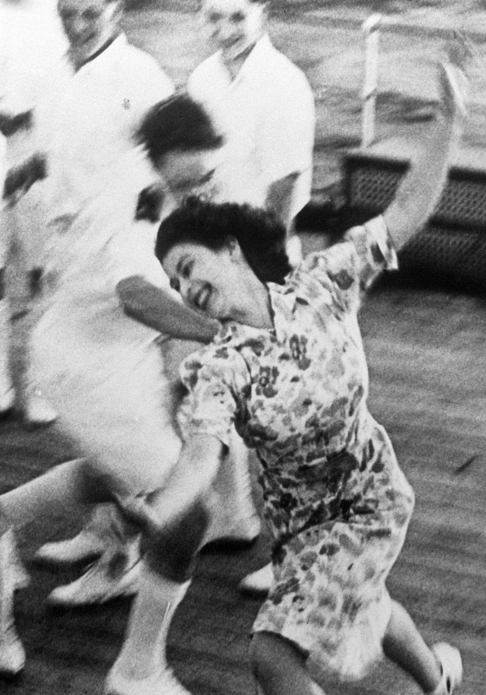 <p>Then Princess Elizabeth plays a game of tag with shipmen aboard the HMS Vanguard. </p>