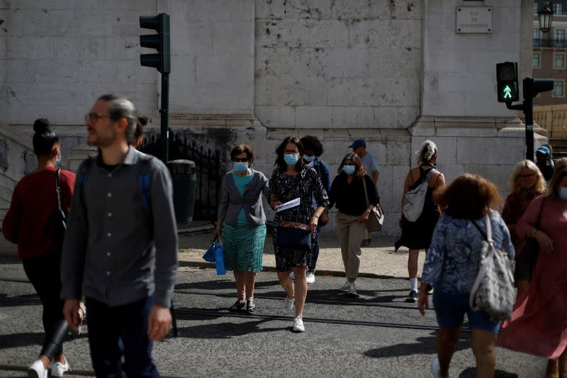 Portugal imposes tougher COVID-19 measures as virus spreads