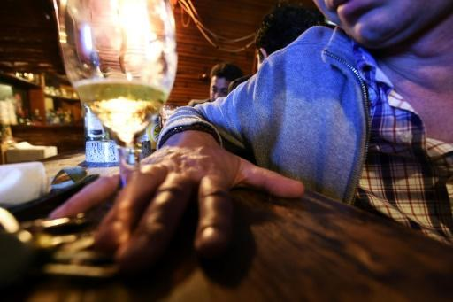 <p>Dementia clearly linked to chronic boozing: study</p>