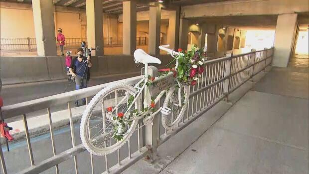 The ghost bike commemorating Mathilde Blais, a 33-year-old cyclist who died in 2014, has been removed and will be displayed in a Quebec City museum. (Radio-Canada - image credit)