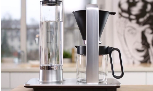 Part coffeemaker, part art form. (Photo: Yahoo Lifestyle Shop)