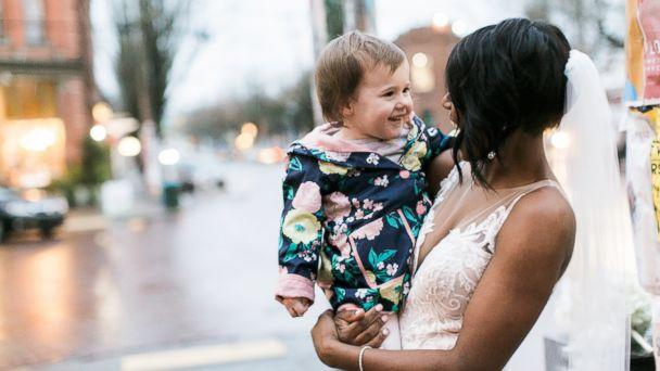 PHOTO: A little girl thought this bride, Shandace Robertson, was the real-life princess from the cover of her 'favorite book.' (www.stephaniecristalli.com)