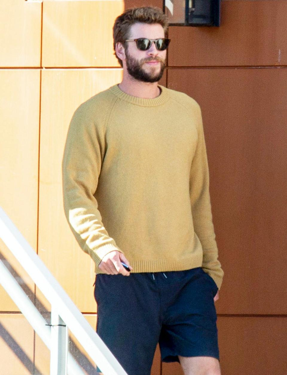 <p>Liam Hemsworth heads out to lunch on Thursday with his girlfriend Gabriella Brooks in Byron Bay, Australia.</p>