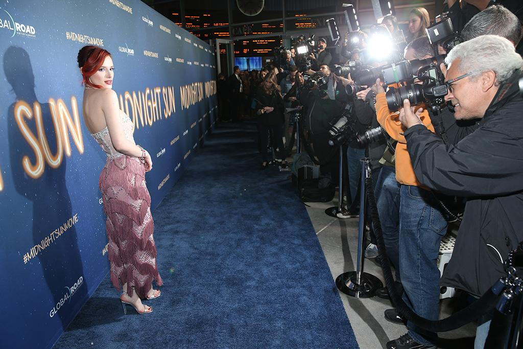 <p>The actress posed on the blue carpet as the paparazzi bulbs popped, at the world premiere of her new film <em>Midnight Sun</em>, in Hollywood on Thursday night. (Photo: Phillip Faraone/Getty Images) </p>