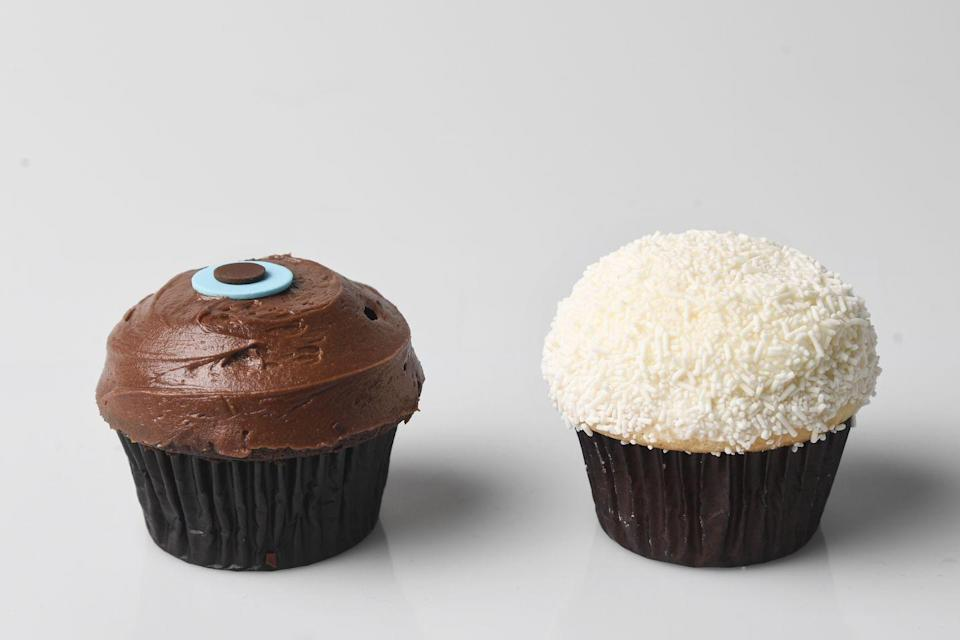 <p>In 2005, Sprinkles Cupcakes opened after the success of Crumbs Bake Shop and Magnolia Bakery, and Baked by Melissa and Georgetown Cupcake weren't too far behind. Cupcakes became portable mini desserts that people were crazy about.</p>