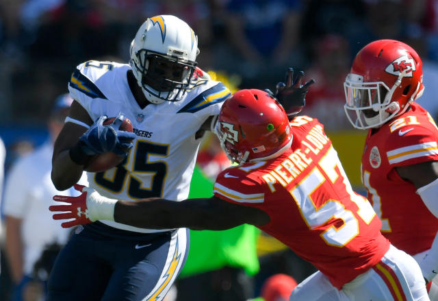 "<a class=""link rapid-noclick-resp"" href=""/nfl/teams/lac"" data-ylk=""slk:Los Angeles Chargers"">Los Angeles Chargers</a> tight end Antonio Gates has agreed to rejoin the team. (AP)"