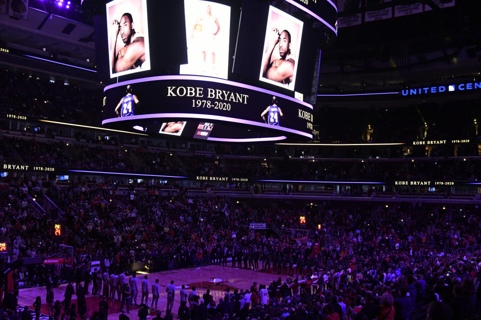 Players and fans stand for 24 seconds to honor Kobe Bryant before an NBA basketball game between the Chicago Bulls and the San Antonio Spurs Monday, Jan. 27, 2020, in Chicago. (AP Photo/David Banks)