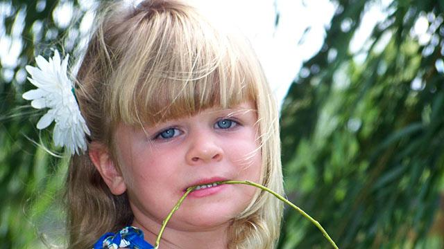 Rare Condition Drives Indiana Girl, 3, to Eat Light Bulb