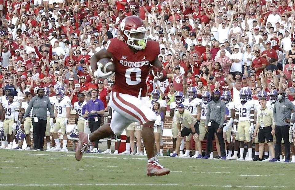 Oklahoma running back Eric Gray scores a touchdown against Western Carolina.