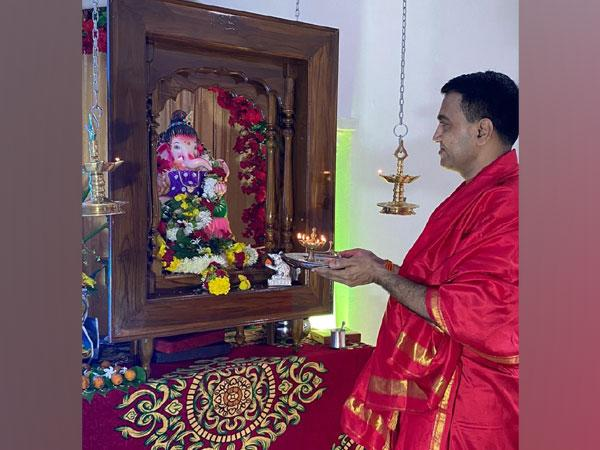 Goa Chief Minister Dr. Pramod Sawant offers prayers to Lord Ganesha at his residence in Kothambi.