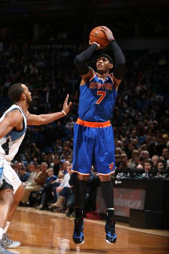 Melo's 36 lift Knicks over Wolves, 100-94