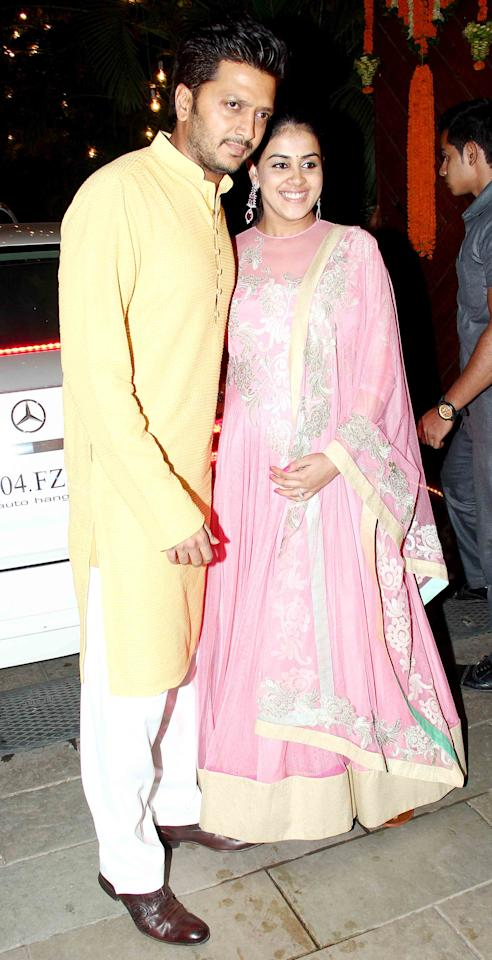 <p>Striking a pose with his wife Genelia D'souza </p>