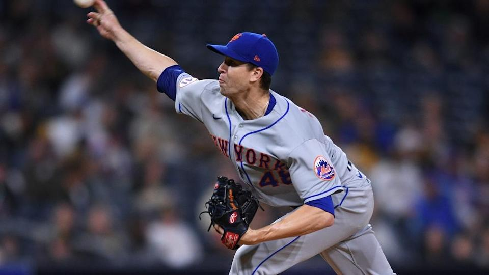 Jacob deGrom extends towards home plate vs. Padres