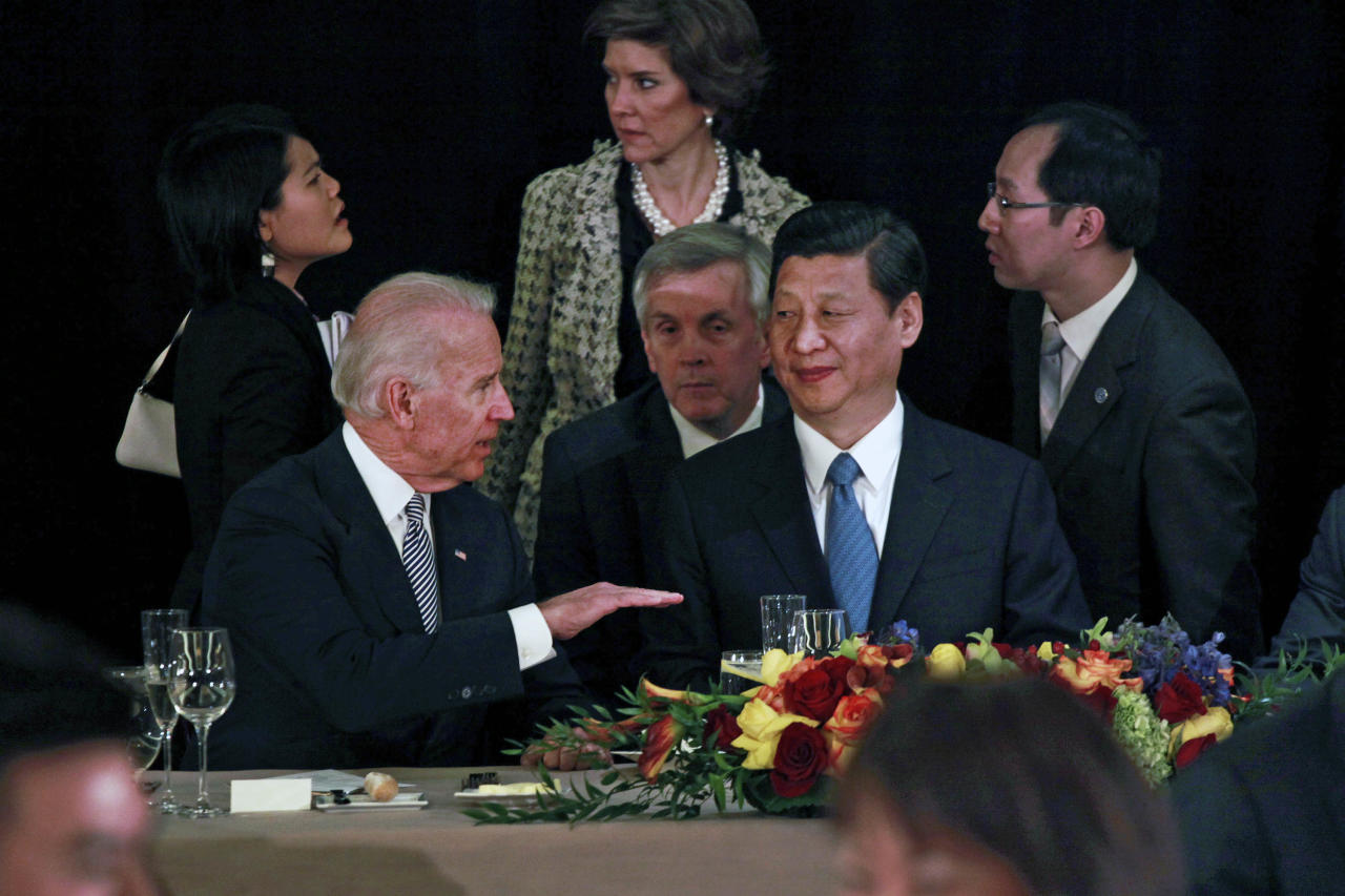 Vice President Joe Biden talks with Chinese Vice President Xi Jinping during a luncheon hosted by Mayor Antonio Villaraigosa, Friday, Feb. 17, 2012 in downtown Los Angeles, (AP Photo/Los Angeles Times, Jay L. Clendenin, Pool)